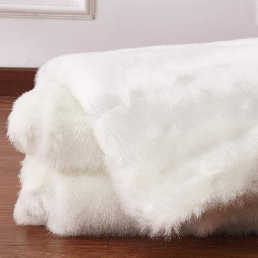 Faux Fur Rug - Rug Factory Plus, Faux Sheepskin Area Rug, White