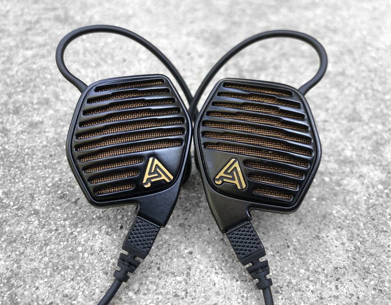 Audeze LCDi4 Review - When Headphone Meets IEM