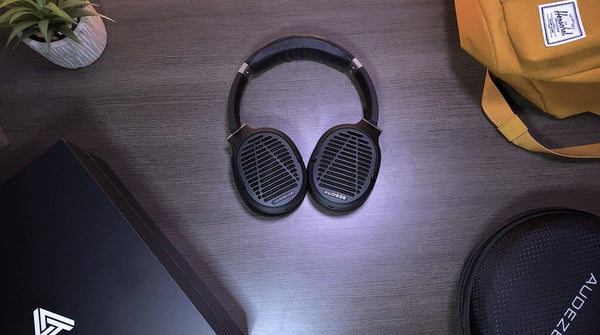 Audeze LCD-1 Review - lightweight planar headphones with heavyweight performance