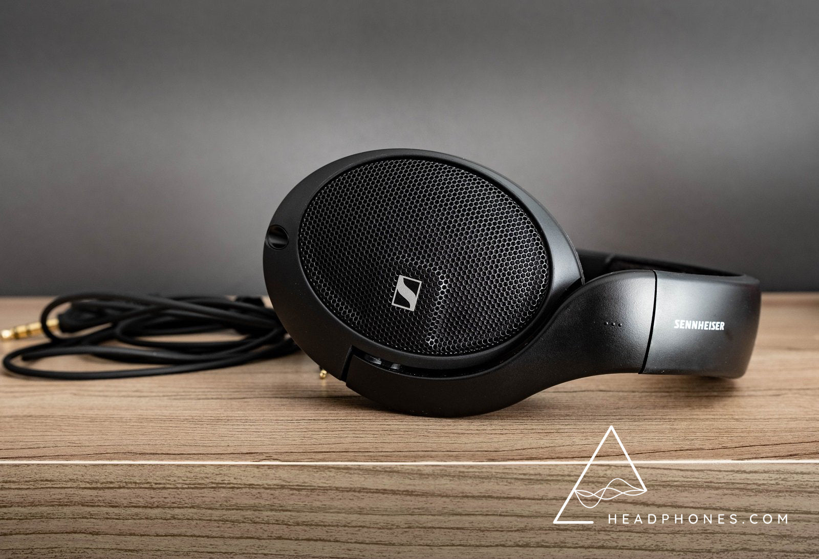 Sennheiser HD560S, best value dynamic driver reference headphones | headphones.com