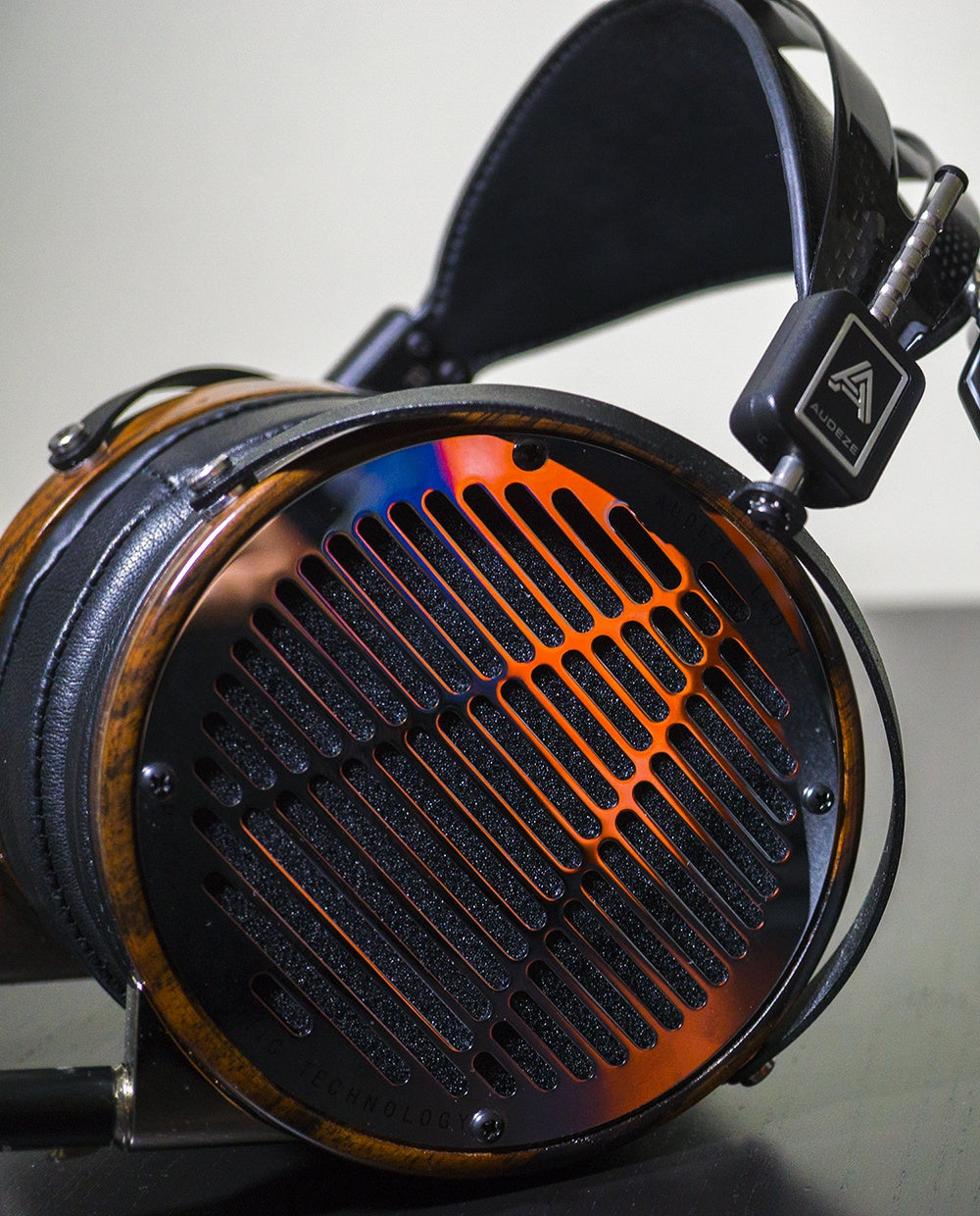 Headphones.com The Best High-End Headphone Brands