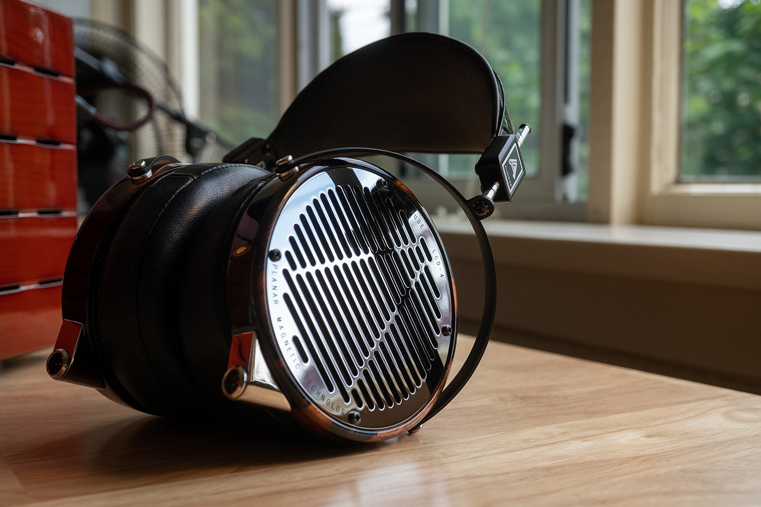 Audeze LCD-4 Planar Magnetic Headphones with Cayin HA-1A MK2 Headphone Tube Amplifier