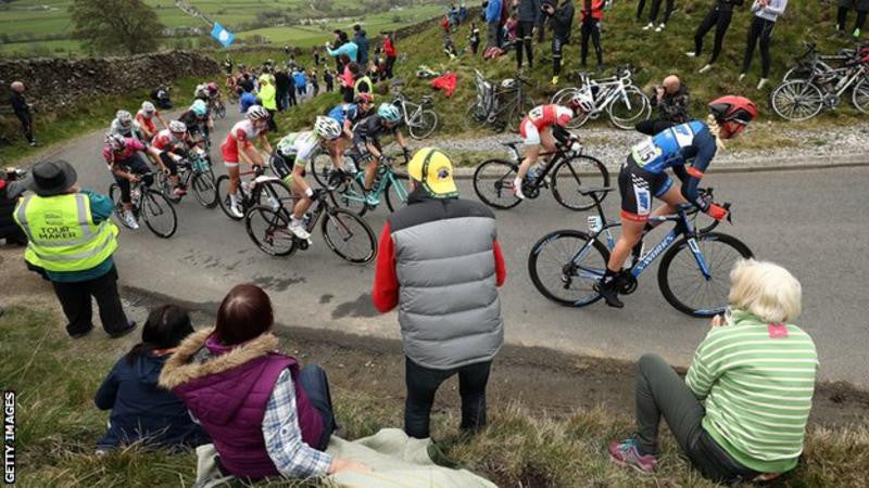 The route of the women's race was the same Tadcaster to Harrogate route as stage two of the men's race, and went up the 15% climb of the Cote de Lofthouse in Nidderdale, North Yorkshire
