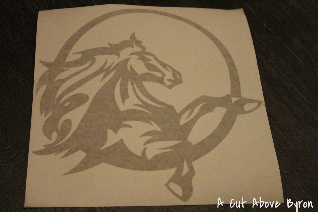 Large gold horse in circle decal