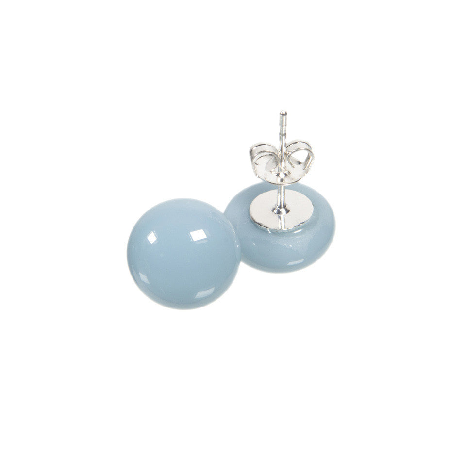 Basic earrings in ice blue