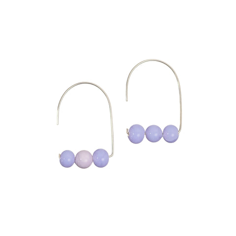 Maya earrings in pale lilac