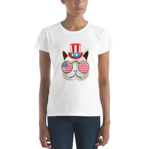 Funky Cat With Hat & Sunnies Women's Tee