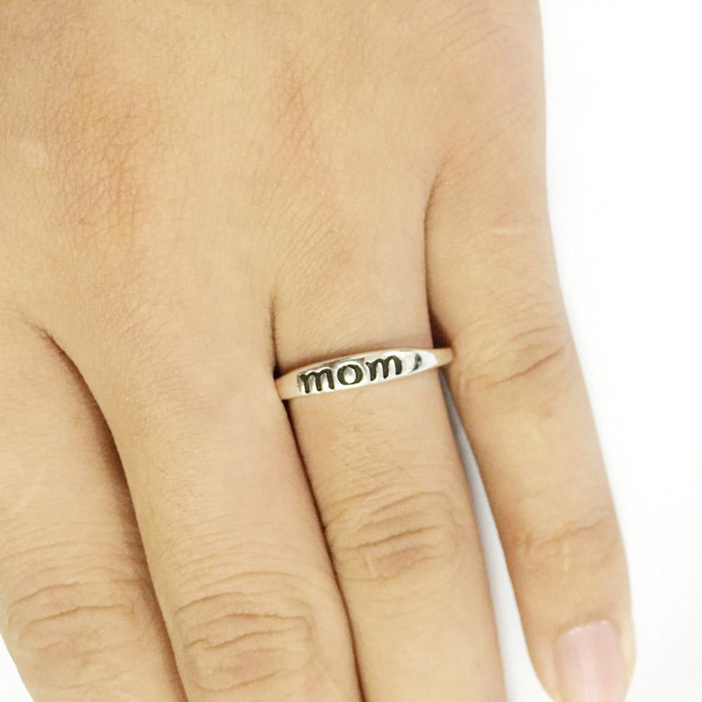 Silver Engraved 'Mom' Ring