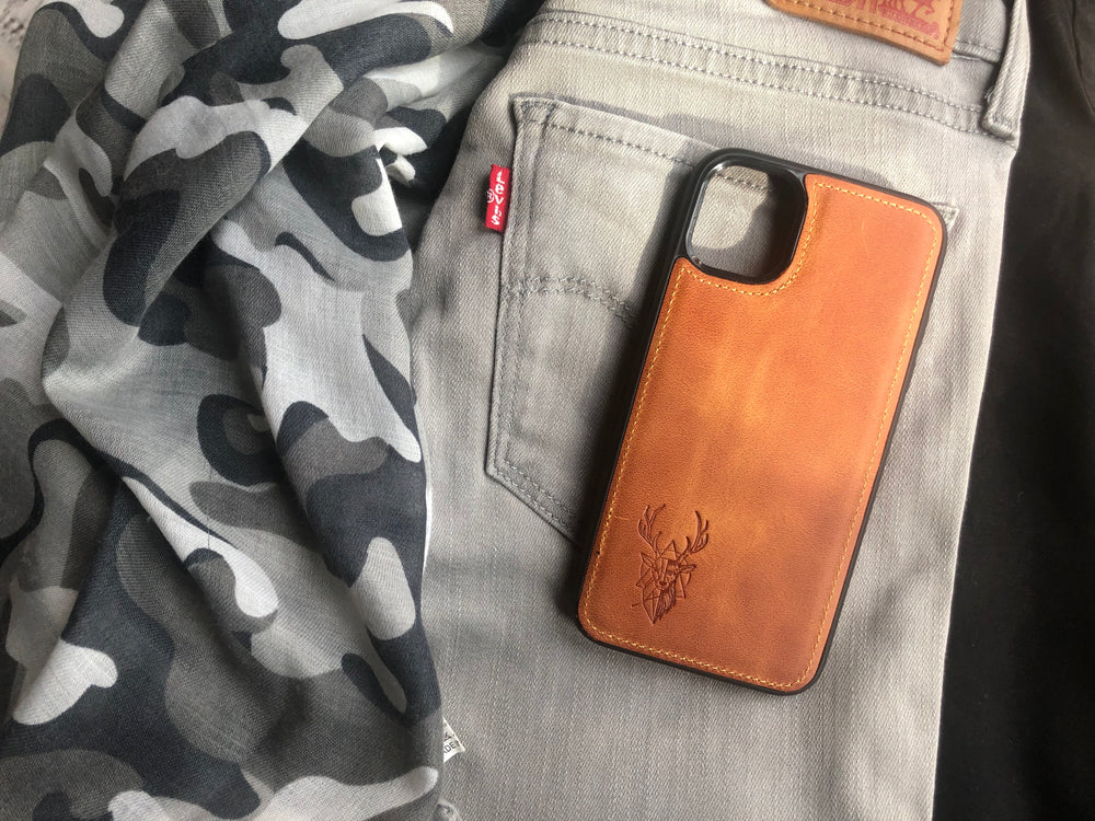 Phone Case - iPhone 11 Camel