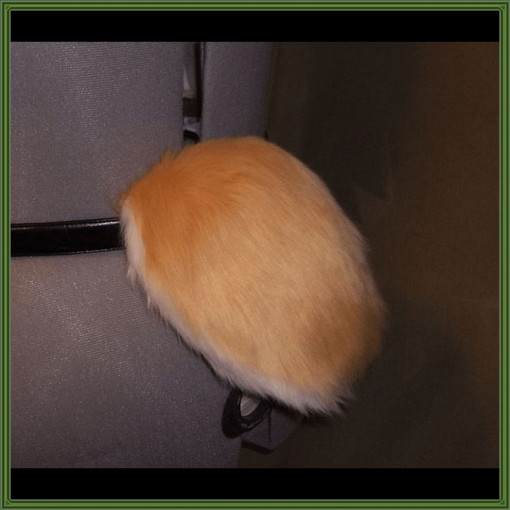 Custom-Color Rabbit Tail
