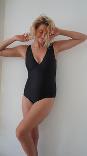 ZINA One Piece - BLACK