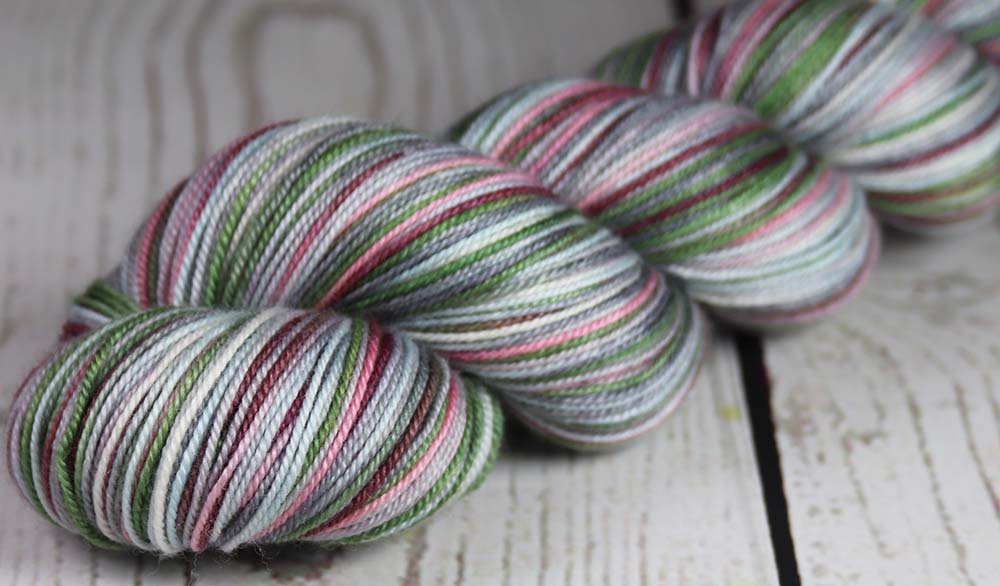 BURGENSTOCK MOUNTAIN VIEW : SW Merino-Silk-Cashmere - Hand dyed variegated sock yarn