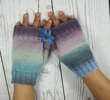CHROMA COLOR MITTS - Fingerless mitts / gloves - Small size - Color shifting - Handmade Mitts