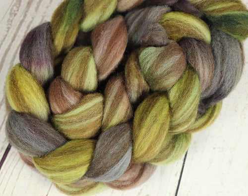 COFFEE BEANS & TEA LEAVES: Striped Shetland roving - 4.0 oz - Hand dyed spinning wool