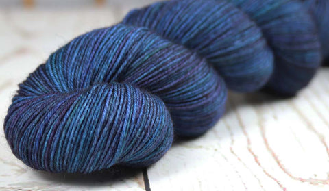 VIBRANCY AT THE PLANTATION: SW Merino-Nylon-Stellina - Hand dyed Variegated sparkle sock yarn