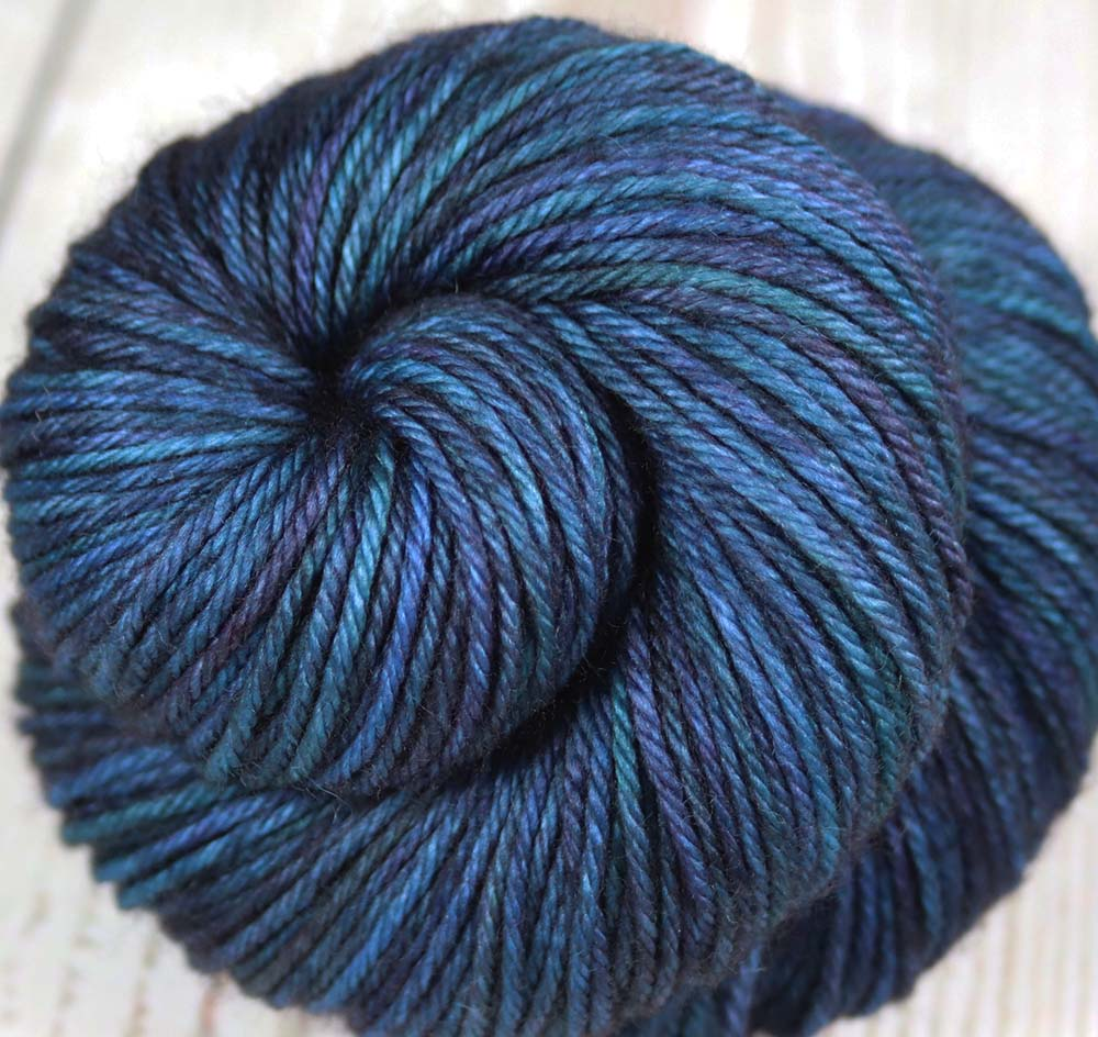 DARK UNIVERSE: SW Merino - Hand dyed worsted yarn