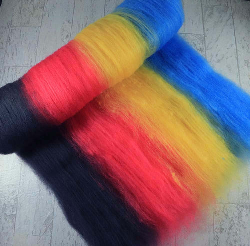 I WAS AN INTERN ON FRIENDS: Kent Romney wool batt - 4.0 oz - Hand dyed spinning wool
