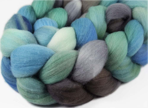 HALONA 2: Targhee Wool roving - 4oz - Hand dyed wool - Hawaii themed spinning wool