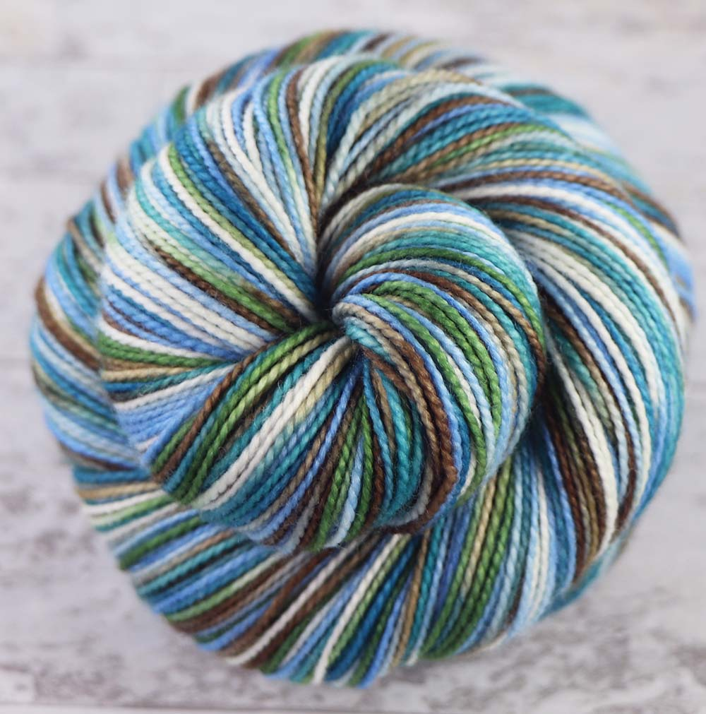 HAPPY HAWAII: SW Merino / Nylon - Hand dyed variegated sock yarn - tight twist