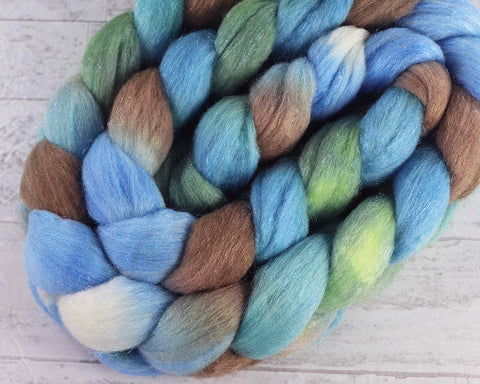 HAUNTED HOLLOWS: Shetland-Silk roving - 5.0 oz - Hand dyed spinning wool