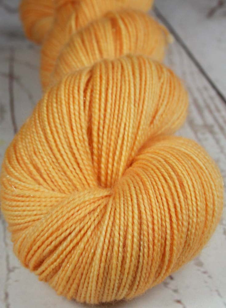 MANGO SORBET: Superwash Merino Wool-Nylon-Stellina Fingering/Sock yarn - Hand dyed Sparkle sock yarn - Tonal sock yarn - Orange Peach yarn - Tropical fruit yarn