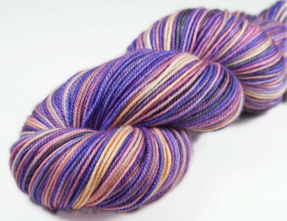 PARISIAN SUNSET: Superwash Merino-Nylon - Sport weight yarn - Hand-dyed sport yarn - Variegated sport yarn - Sunset inspired yarn - Paris