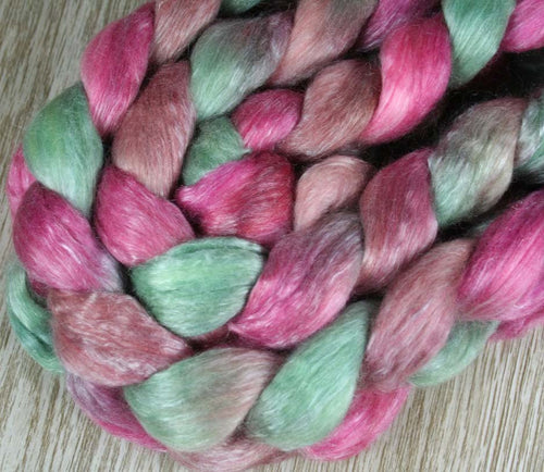 PINEAPPLE FIELDS: Merino-Tencel Roving - 4.0 oz - Hand dyed wool - hand dyed roving - spinning wool - Hawaii themed wool - tropical colors