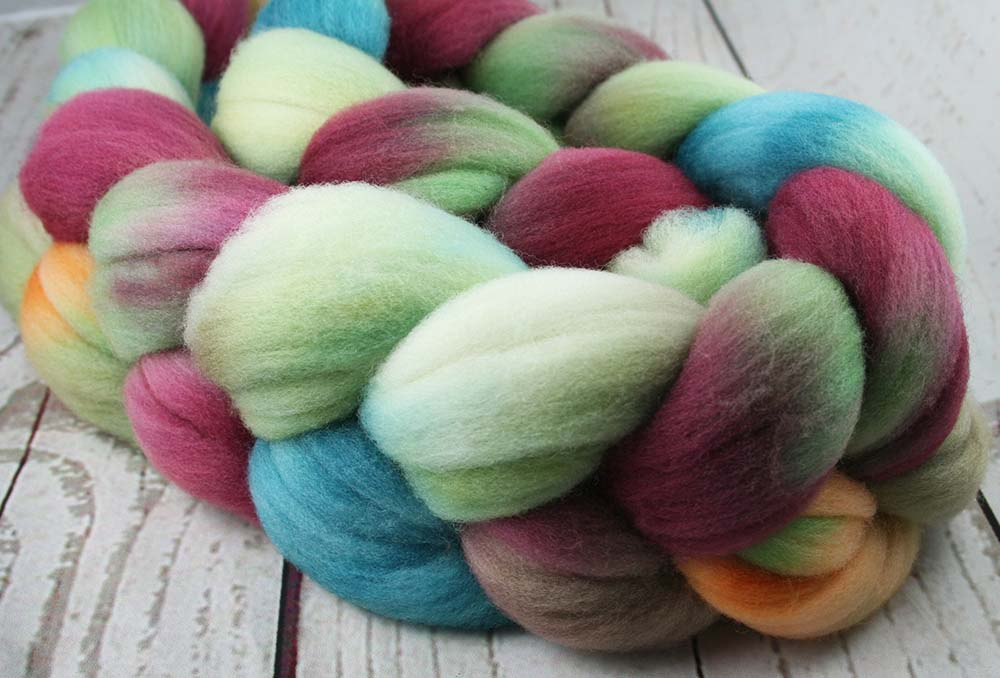 PRINCESS & THE PEA: Targhee roving - 4.0 oz - Hand dyed wool - spinning wool - roving