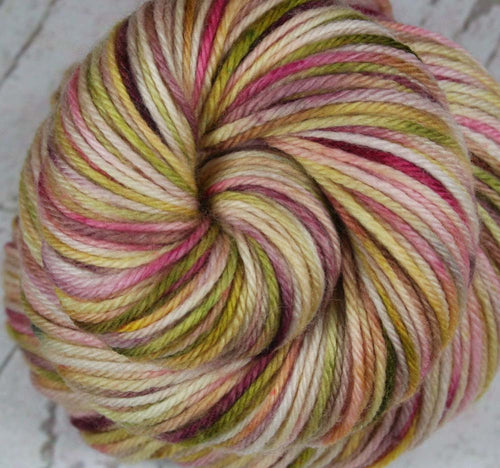 ROMANCE: Superwash Merino - DK Yarn - Hand dyed Variegated Pink yarn