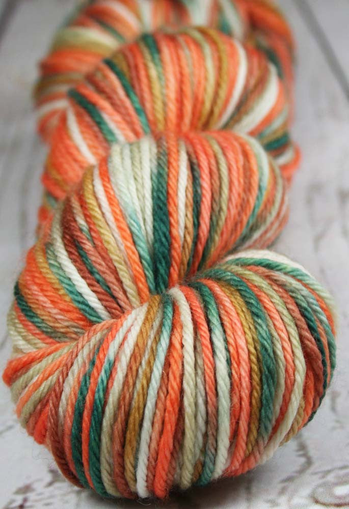 WINTER AT BRYCE CANYON: Superwash Merino Wool - Worsted weight yarn - Hand dyed - Variegated yarn