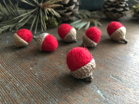 Felted wool acorns, set of 6, Red