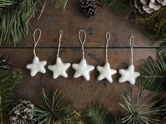 Wool star ornaments, set of 5, Dusty White