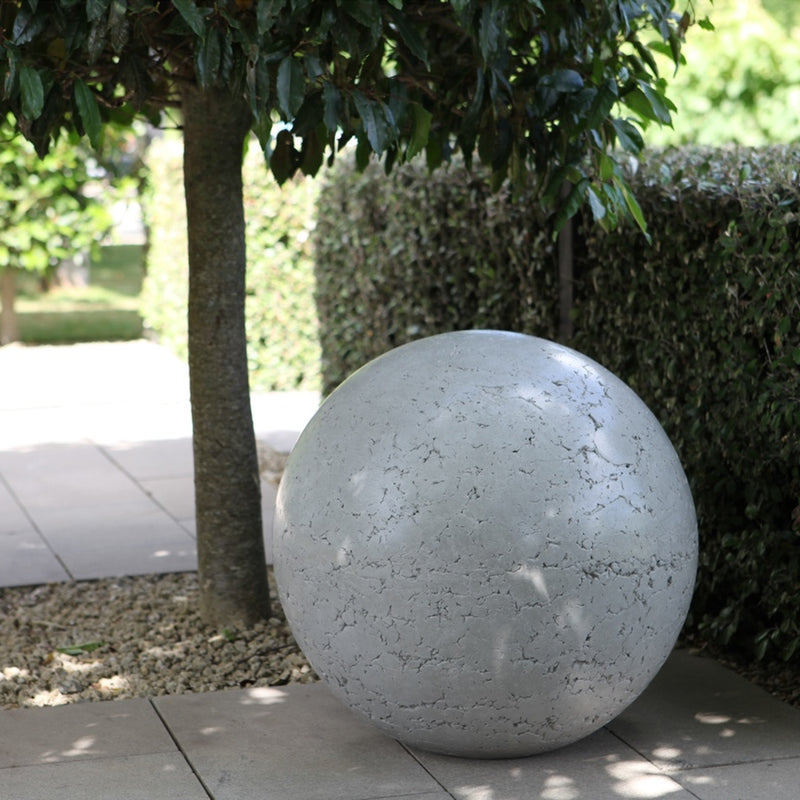 Concrete Garden Balls, Spheres, Planters, Garden Art, Landscape Design, Sculpture, NZ Homes & Gardens, NZ Made, Locally Made