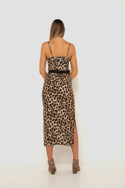 tall-girl-wearing-leopard-split-dress-back-view