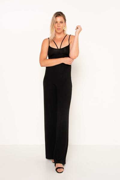 flattering-v-neckline-black-jumpsuit-with-heels
