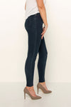 flattering-dark-denim-skinny-jeans-evening-wear