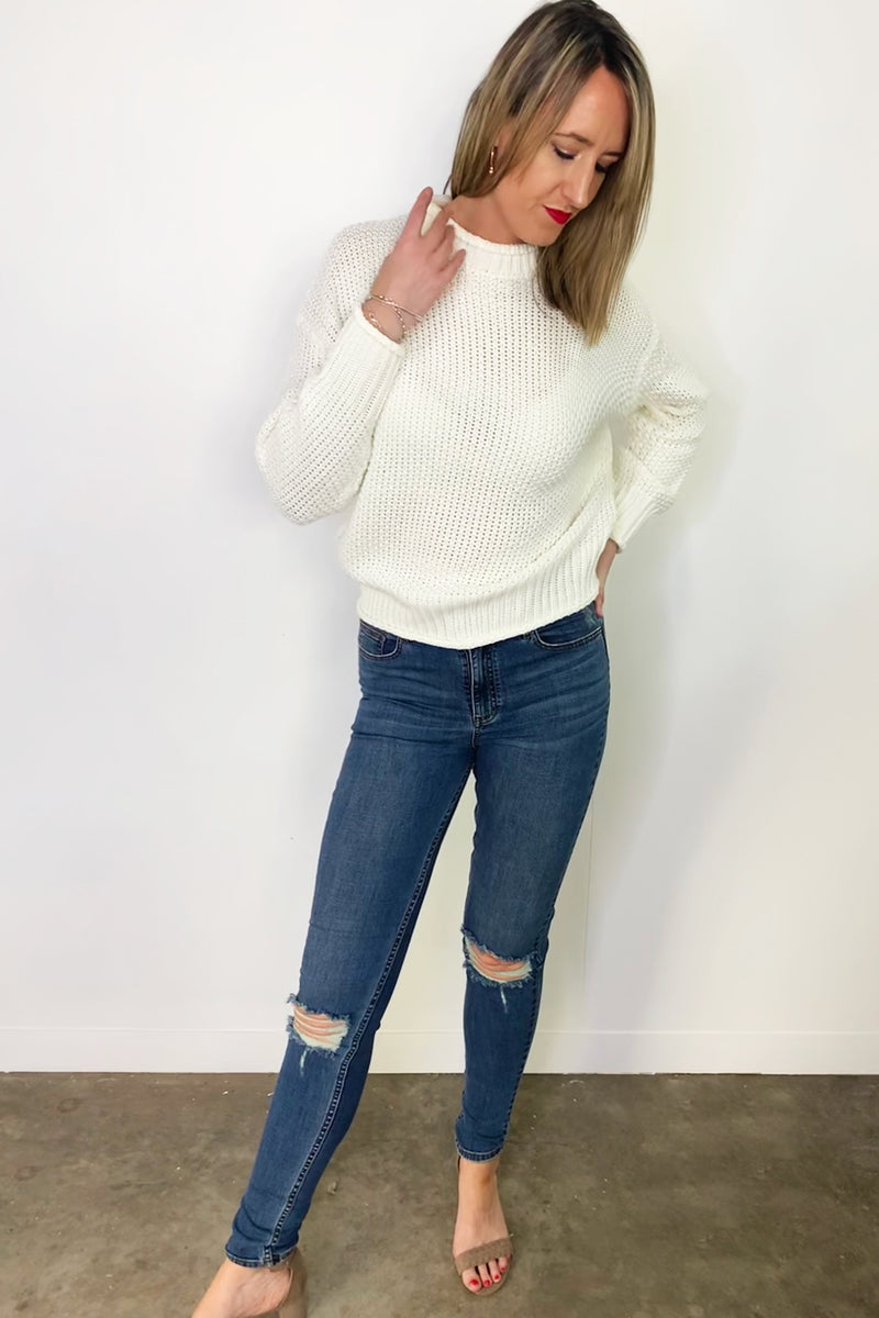 close-up-long-arms-tall-cream-knit-sweater