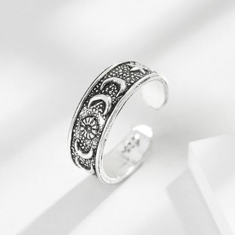 Moon & Stars Silver Ring - Her Majesty's Goods