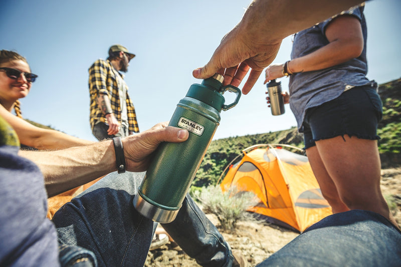 Stanley 0.75L Vacuum Water Bottle, Hammertone Green