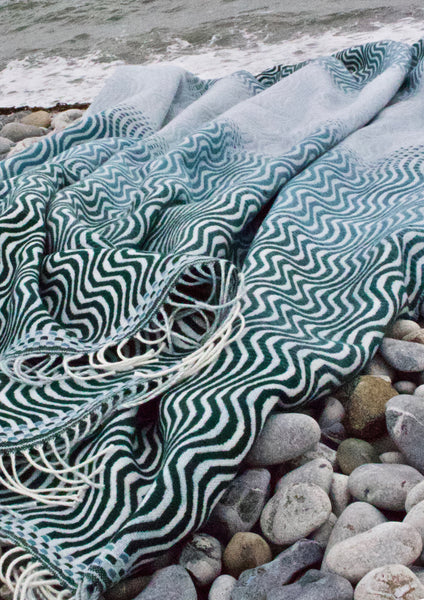 sea green ripple