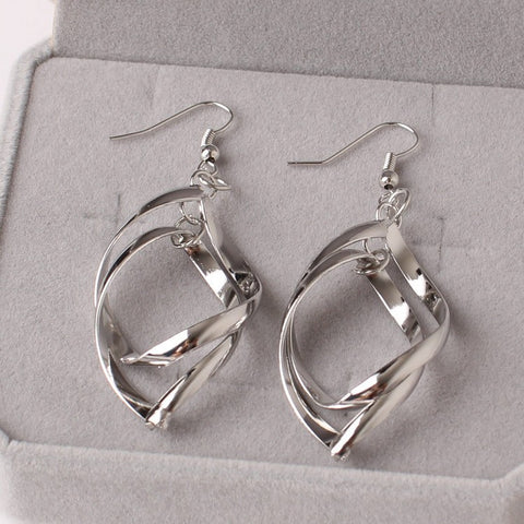 Bicyclic Twisted Earrings