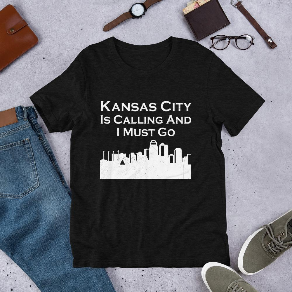 T-shirt - Kansas City Skyline Short-Sleeve Unisex T-Shirt, Moving To Kansas, Relocating Shirt, Moving Away Shirt, New Job Gift.