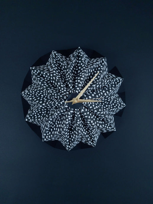 WHITE DASH & BLACK ORIGAMI CLOCK