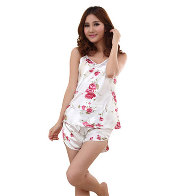 Underwear & Sleepwears 2016 Women Sexy Floral Sleepwear Braces Shirts Shorts Underwear Pajamas Sets Robes Hottest Women Nightgowns Set Women's Sleepwears