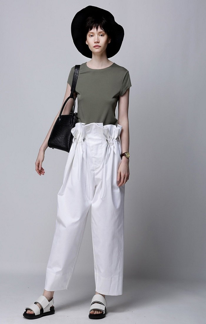 Paper Bag Cropped Pants In White CRPA0022
