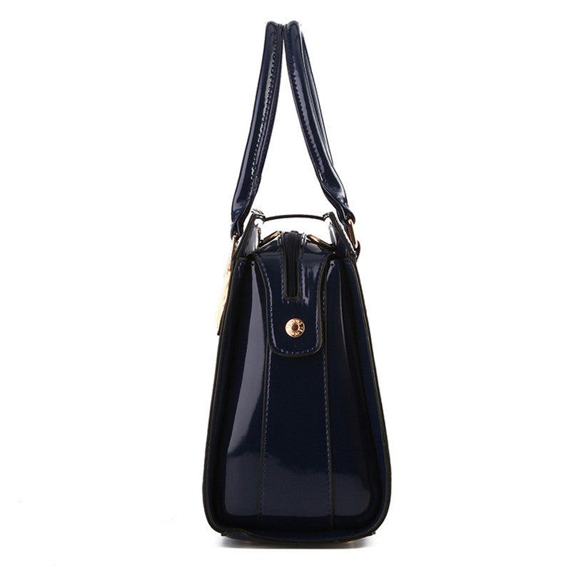 c9c878e1b7 Elegant Alligator Patent Leather Women Handbag Medium Women Bag Cross Lock  Design Women Leather Handbags Female