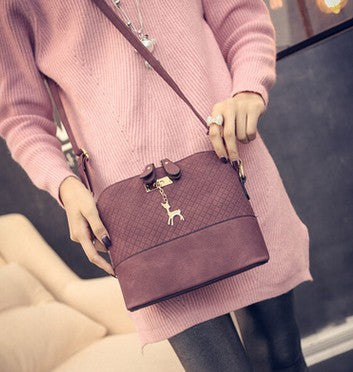 545a12ddbe98 HOT SALE!2017 Women Messenger Bags Fashion Mini Bag With Deer Toy Shell  Shape Bag