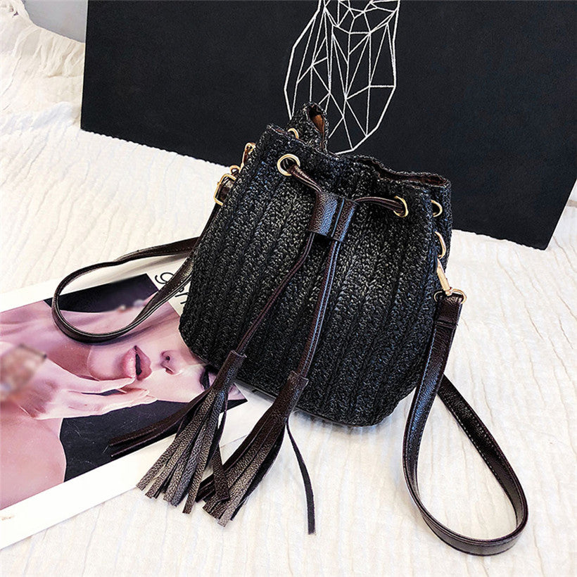 New Arrival Vintage Women Weaving Tassel Shoulder Bag Crossbody Bag Beach Bag Retro Female Small Messenger Bag bolsa feminina
