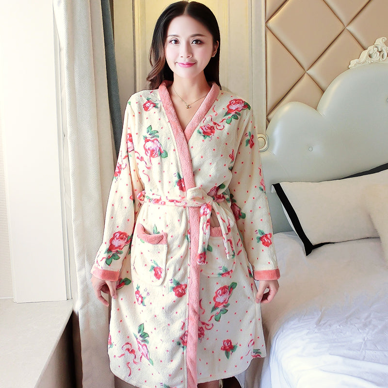 Cartoon Lovely 2018 Thicken Nightgowns Winter Bathrobe Women Pajamas Bath Flannel Warm Robe Sleepwear Womens Robes Coral Velvet