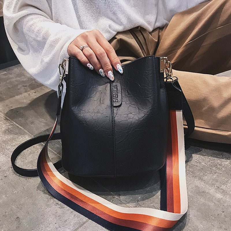 women's messenger bags female 2019 new Korean fashion retro casual strap shoulder bag slung bucket crossbody bags for women